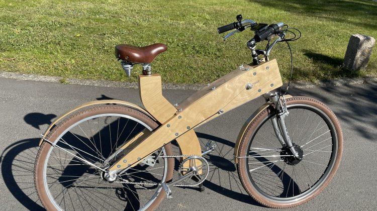 Unieke houten E bike