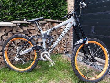 Kona Stab deluxe Downhill bike
