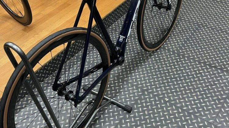 Trek Emonda SLR 9 Disc Carbon Road Race Bike 2021 in Matte Onyx Carbon