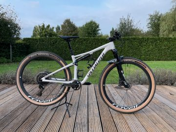 Specialized Epic Pro – small